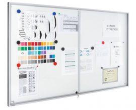 Legamaster Premium beltéri fali vitrin és fehér tábla (whiteboard) egyben (tolóajtóval) 95,0x69,0 cm